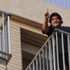 Maradona arriva a Napoli, bagno di folla per il Pibe de Oro