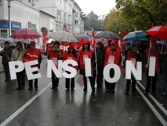 """Pensioni, oltre due milioni di persone prendono meno di 500 euro al mese. L'inps ha un 'rosso' di 10 miliardi ma dichiara: """"Non è a rischio la sostenibilità del sistema pensionistico"""""""