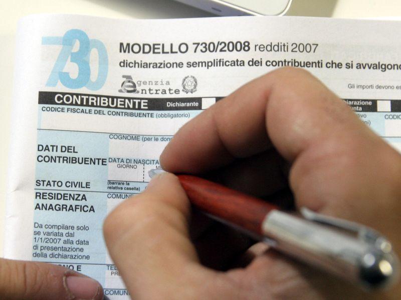L'Italia dei senza casa e dei senza telefono. Ecco l'identikit dei 7500 evasori fiscali