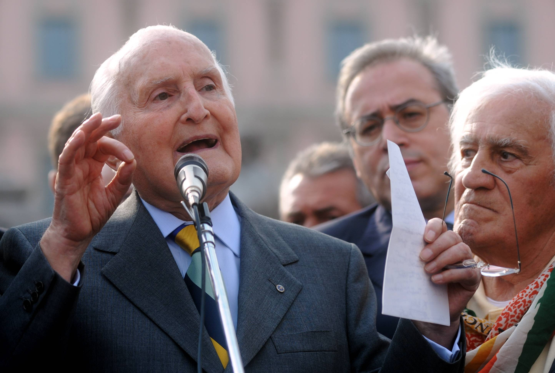 Addio all'ex presidente Scalfaro, aveva 93 anni. Napolitano: Esempio di integrità