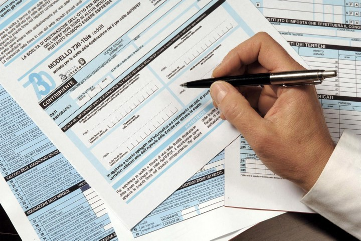 Bloccati i rimborsi fiscali fino a 4000 euro per chi ha famiglia, severi controlli sugli abusi. Si salvano i single