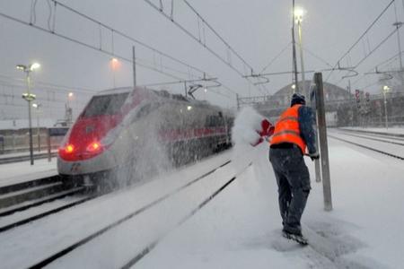 La neve concede una tregua, in Abruzzo paesi ancora isolati. Voli regolari a Fiumicino