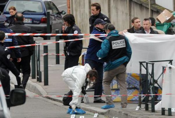 Orrore a Tolosa: spari alla scuola ebraica. Quattro vittime, tre bambini e un professore