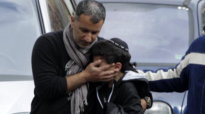 Francia sotto choc, il killer filmava mentre stava sparando sui bambini che scappavano