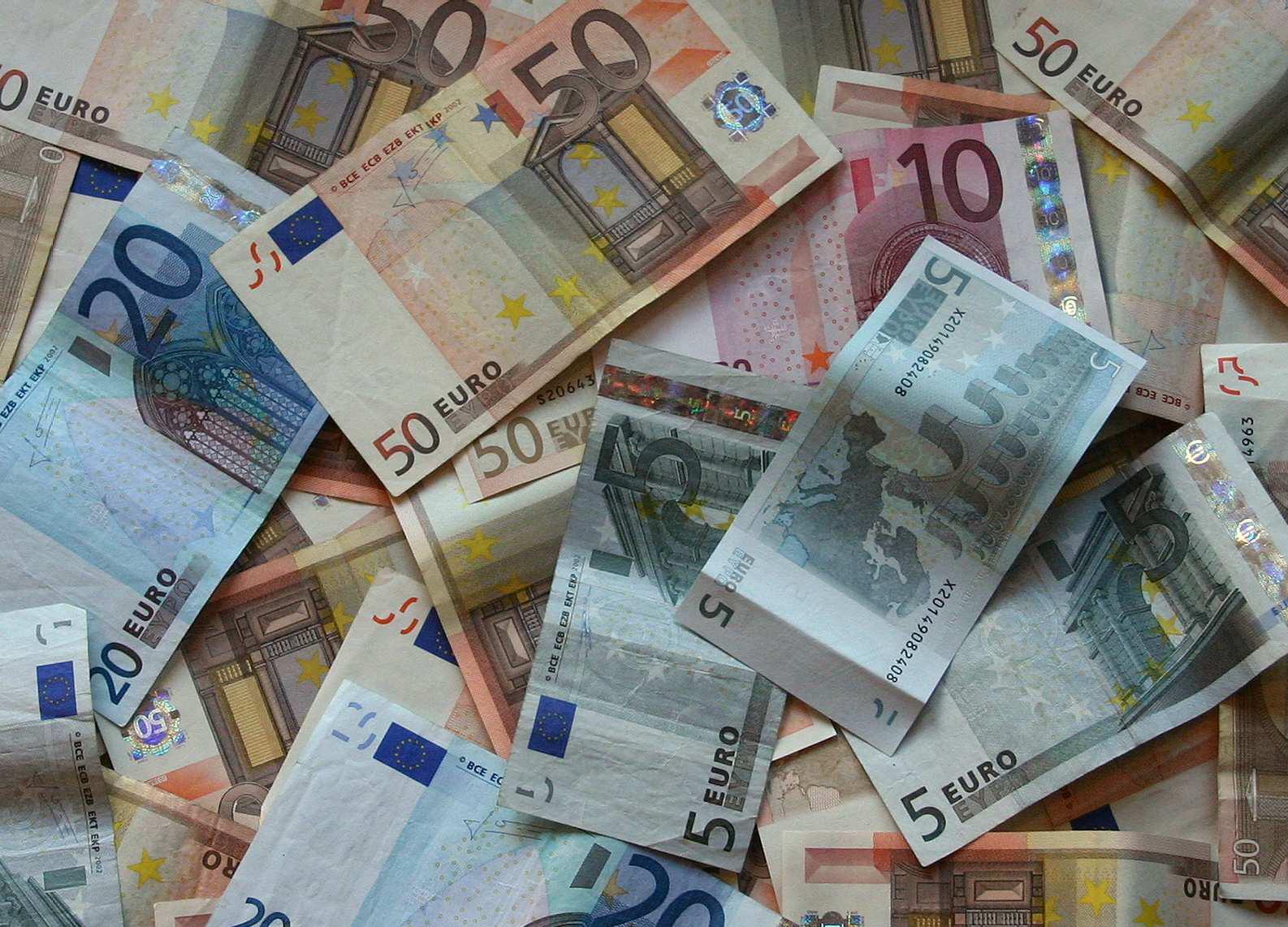 """Spending review, Matteo Renzi: """"Ci saranno i tetti per i manager"""". Il taglio della spesa pubblica sarà di di 6,6 mld"""