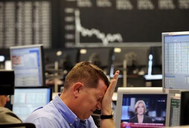 Grecia fuori dall'Euro? Borse a picco, Piazza Affari perde il 3,6% e lo spread schizza a 433