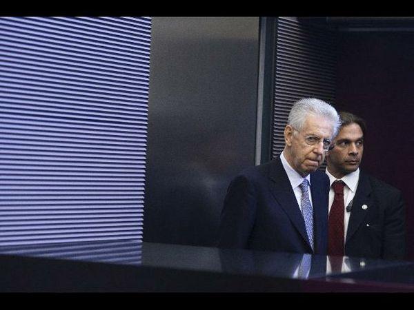Monti al G8: Crescita e rigore per uscire dalla crisi. Il caso Grecia sul tavolo dei Grandi