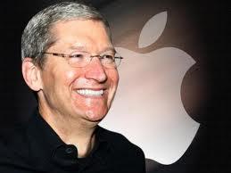 """Apple, l'Ad Tim Cook donerà il suo patrimonio da 785 milioni di dollari in beneficenza: """"Spero di essere la pietra nel lago che genera onde di cambiamento"""""""