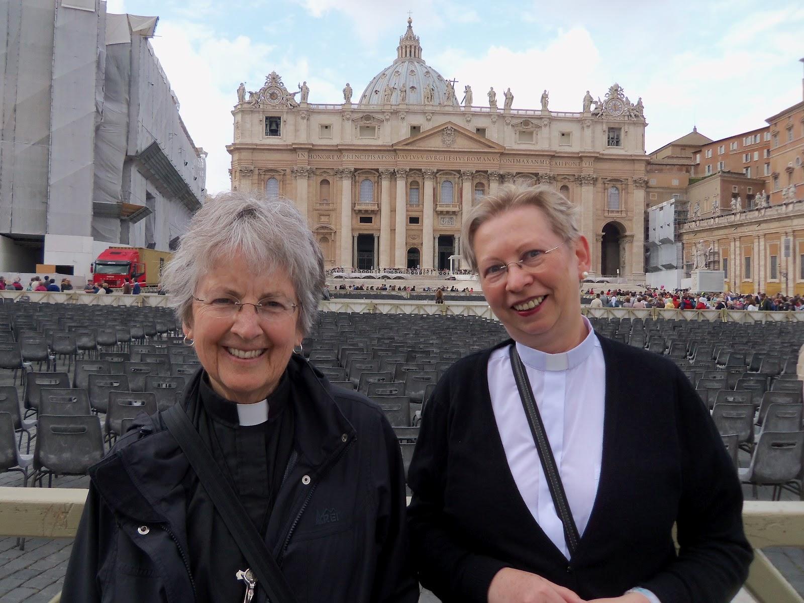 """Donne in guerra, Vaticano contro le suore americane: """"Femministe e pro Obama"""""""