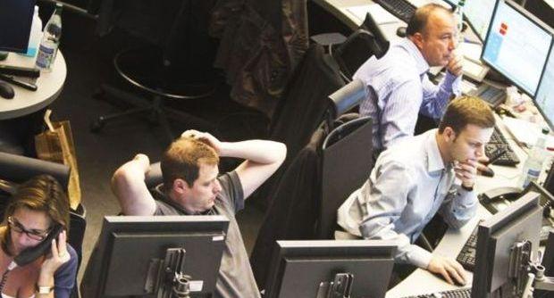 Rublo e petrolio, si arresta la caduta libera ma i russi cominciano ad avere paura. Borse europee in alto, Milano a + 3,2%