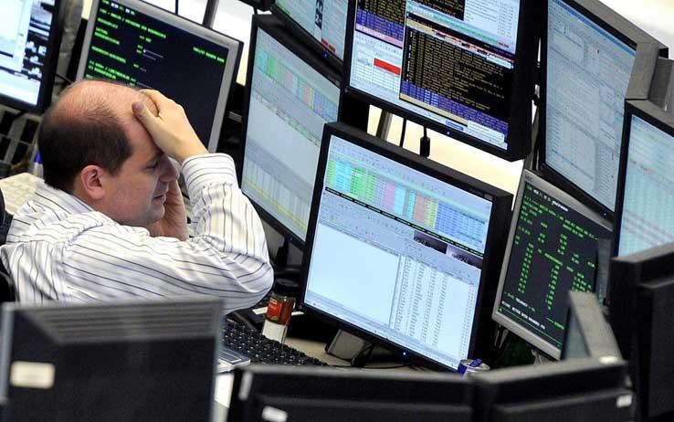 Borse, fine settimana nero: crollano Madrid e Milano. Il piano salva-Spagna non basta