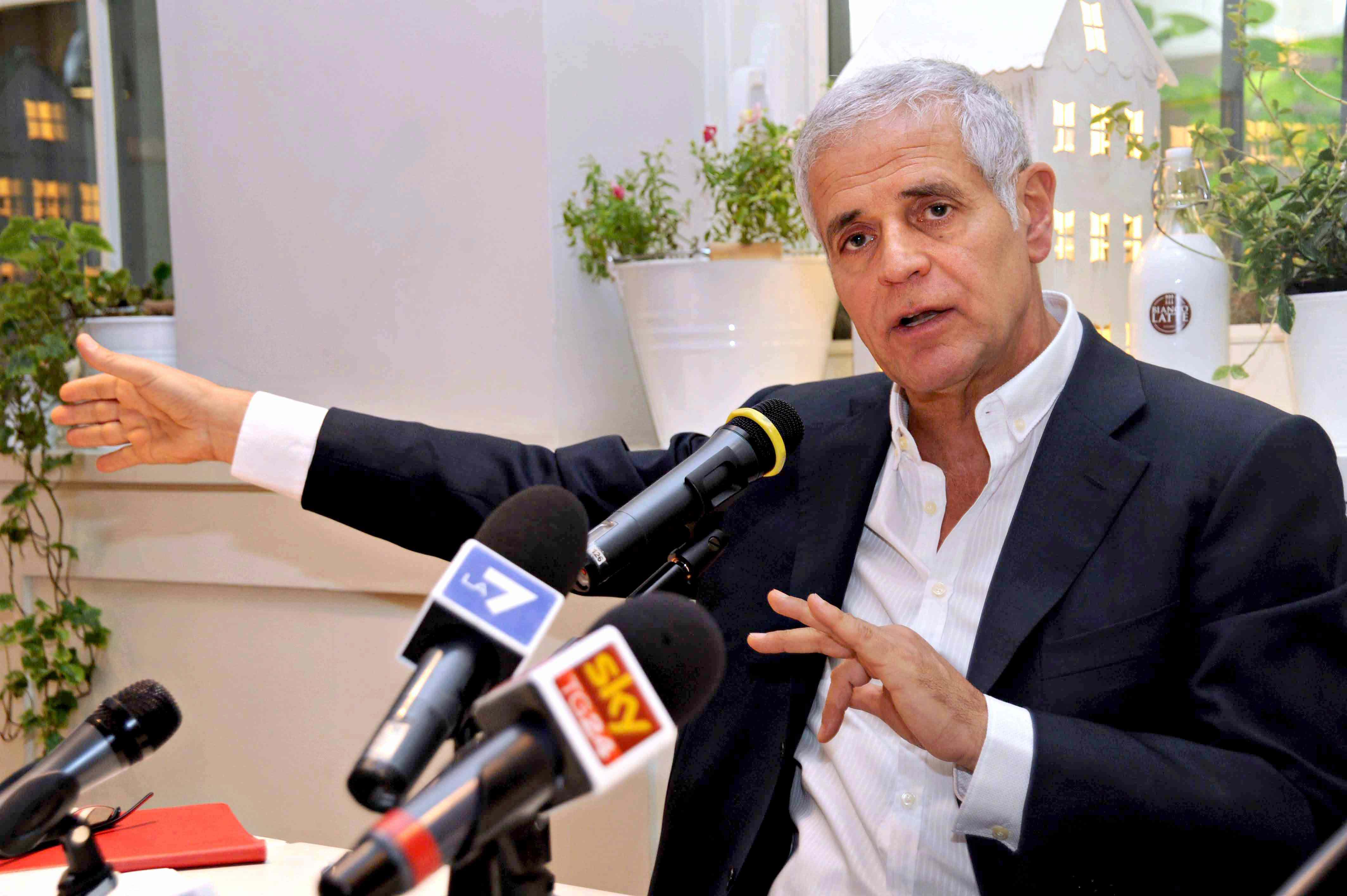 Vacanze ai Caraibi e soldi ai partiti, indagato Fomigoni. L'accusa: corruzione aggravata