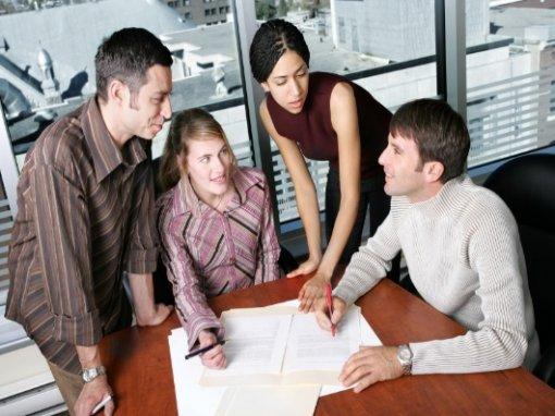 Piano anticrisi: per i giovani possibile aprire un'azienda con un euro. Via spese notarili