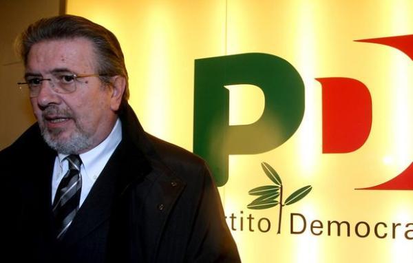 Tangenti, rinvio a giudizio per Filippo Penati. Rapporto di Libera: la corruzione costa al Paese 10 miliardi l'anno
