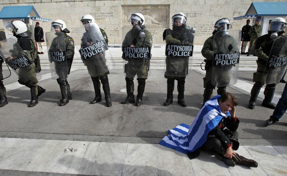 Grecia, slitta di nuovo l'accordo sugli aiuti. Resistenza tedesca. Stabilità euro a rischio