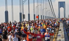Cancellata la maratona di New York, Bloomberg ha ceduto alle critiche di chi lo accusava di distogliere le forze dai soccorsi