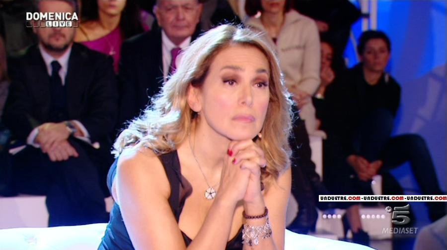 """Berlusconi, monologo di 80 minuti a Canale5. Alla D'Urso prostrata: """"Poi mi domandi…"""""""