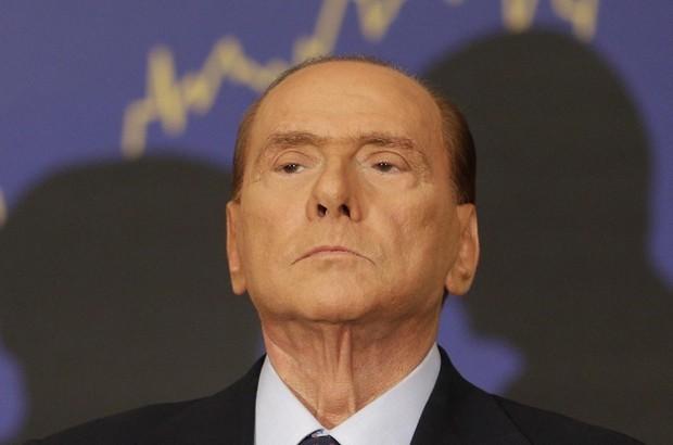 Il confuso tris di Berlusconi: candida Monti, se stesso e Alfano. Ma il professore lo ignora
