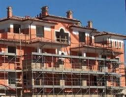 Immobili in Italia, in 10 anni +13% di edifici. L'1,7% delle abitazioni non è servito da acqua potabile