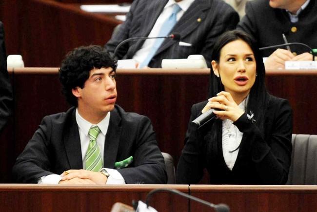 'Spese pazze' al Pirellone per 3,4 mln di euro, verso il processo Nicole Minetti e Renzo Bossi
