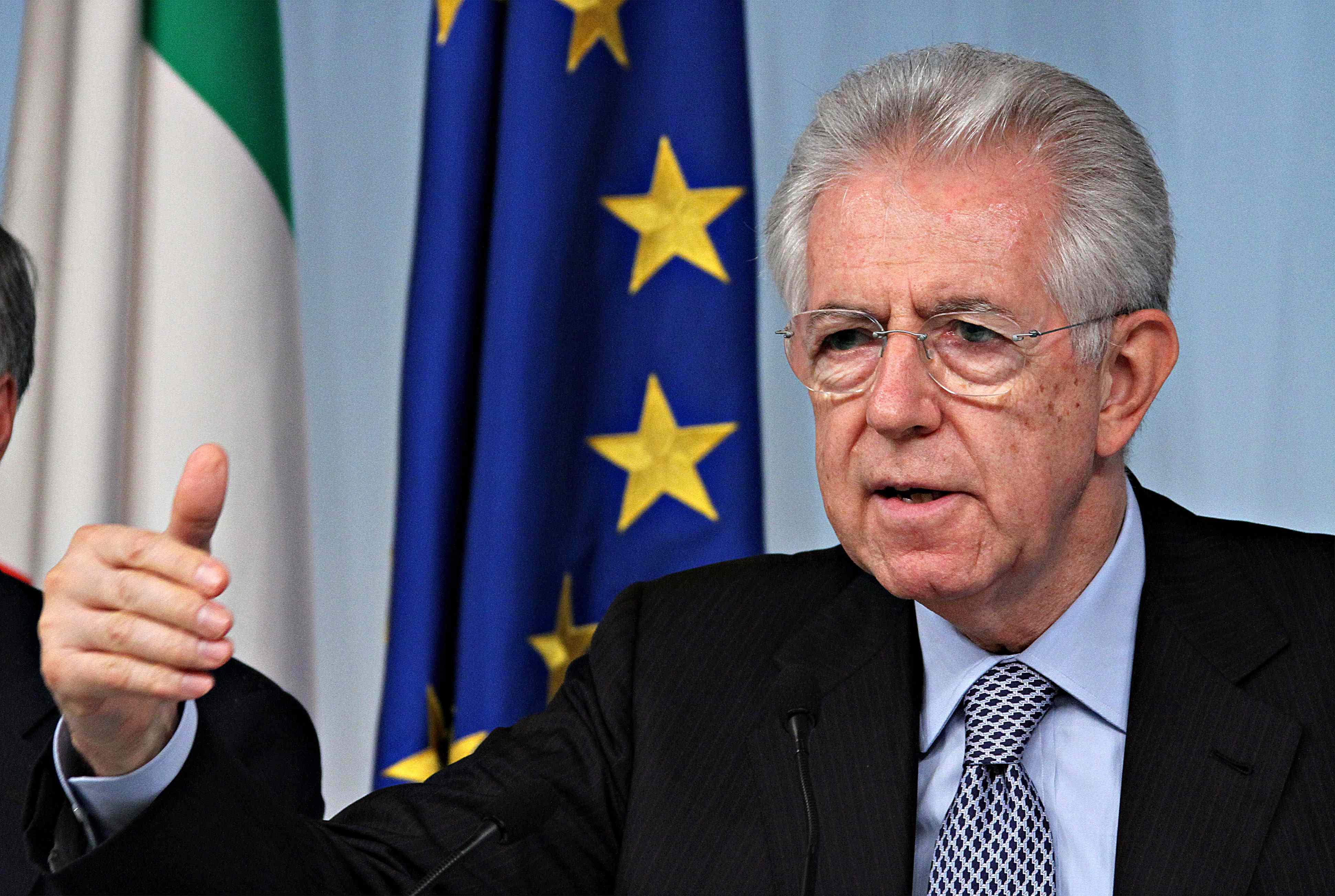 Monti, vertice con i centristi. E il professore incassa anche la benedizione del Vaticano