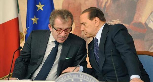 Lega-Pdl, trovato l'accordo. Maroni avverte: Noi siamo per Tremonti candidato premier. Berlusconi rilancia Alfano