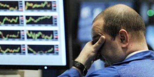 Atene in crisi di liquidità spaventa le borse, il rischio default fa volare lo spread. Torna l'ipotesi di uscita dall'Euro