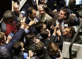 La scia positiva di Wall Street e delle Borse asiatiche contagia l'Europa. In Italia lo Spread torna ai livelli del 2011