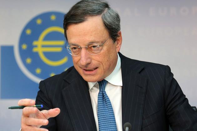 """Parlamento europeo, Draghi: """"La ripresa è messa a rischio da disoccupazione alta: Pronti a comprare Titoli di Stato"""""""