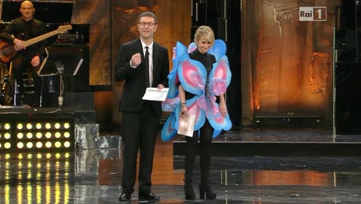 Sanremo, gran finale. All'Ariston Bianca Balti e Bocelli. Luciana vestita da farfalla-Belen