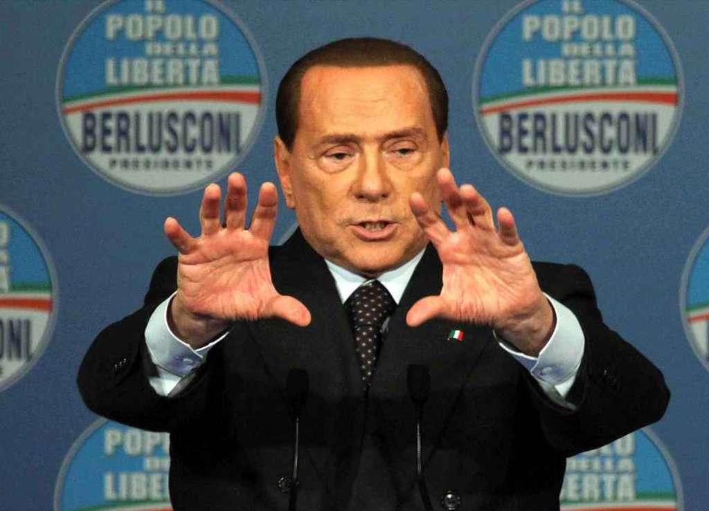 Berlusconi e lo spread: Non ce ne deve importare di meno. Il condono? Fa pagare le tasse a chi non le aveva pagate