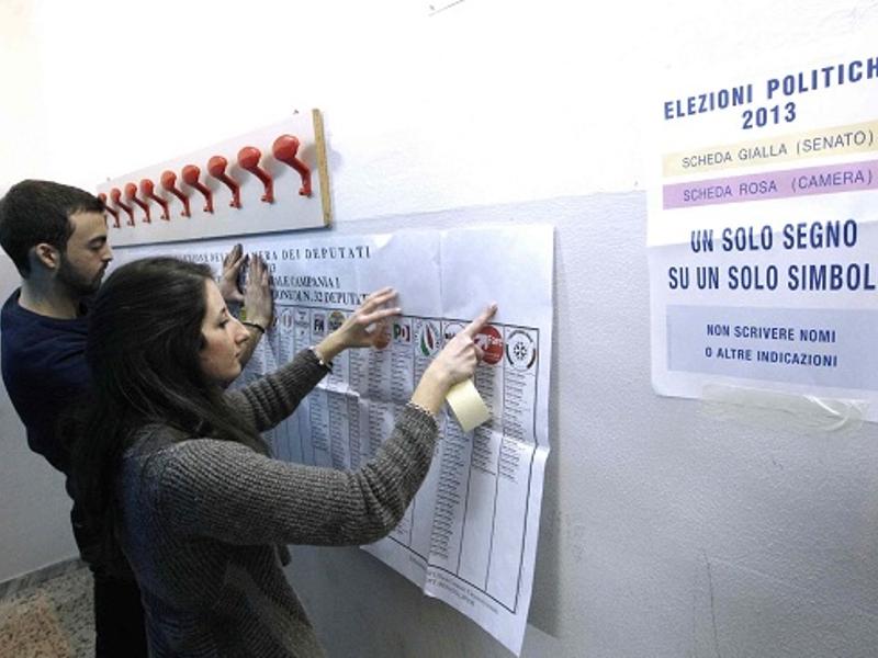 Italia al voto. Seggi aperti fino alle 22, domani fino alle 15. Cinquanta milioni alle urne