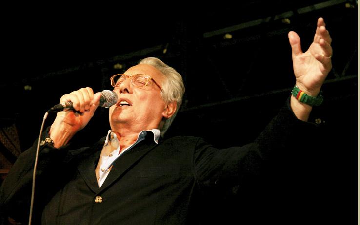 Musica a lutto. E' morto Jannacci, aveva 77 anni. Un grande autore, un poeta del cabaret