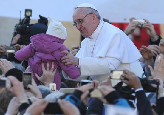 Papa Francesco, messa di inaugurazione in Vaticano: Non abbiate paura della tenerezza