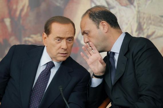 """Voto in Senato, ma è scontro sull'Imu. Berlusconi: """"Va eliminata o niente fiducia"""""""