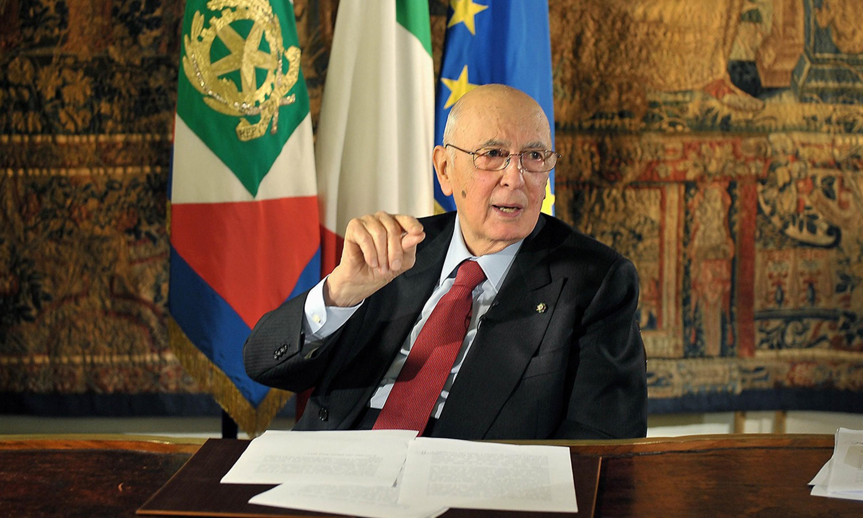Napolitano rieletto, contrari Sel e M5S. Dura protesta al Parlamento. Pd tutti dimissionari