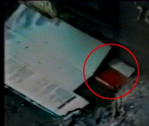 Strage di via d'Amelio, cade il mistero dell'oggetto rosso: non e' l'agenda di Borsellino ma un parasole