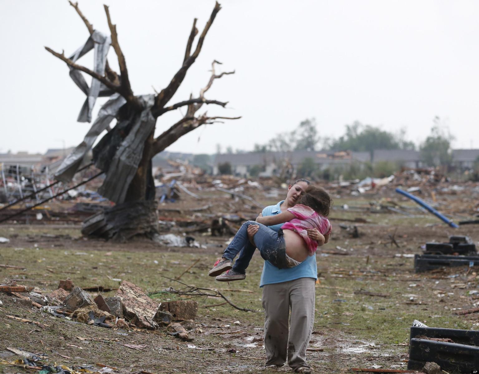 Oklahoma City, tornado killer uccide 91 persone, 20 sono bambini di una elementare