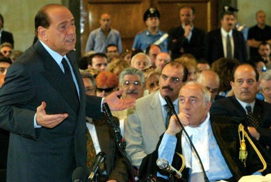 """Processo Unipol, i giudici: """"Berlusconi decise come capo Pdl"""" e lui : """"Il Colle mi difenda"""""""