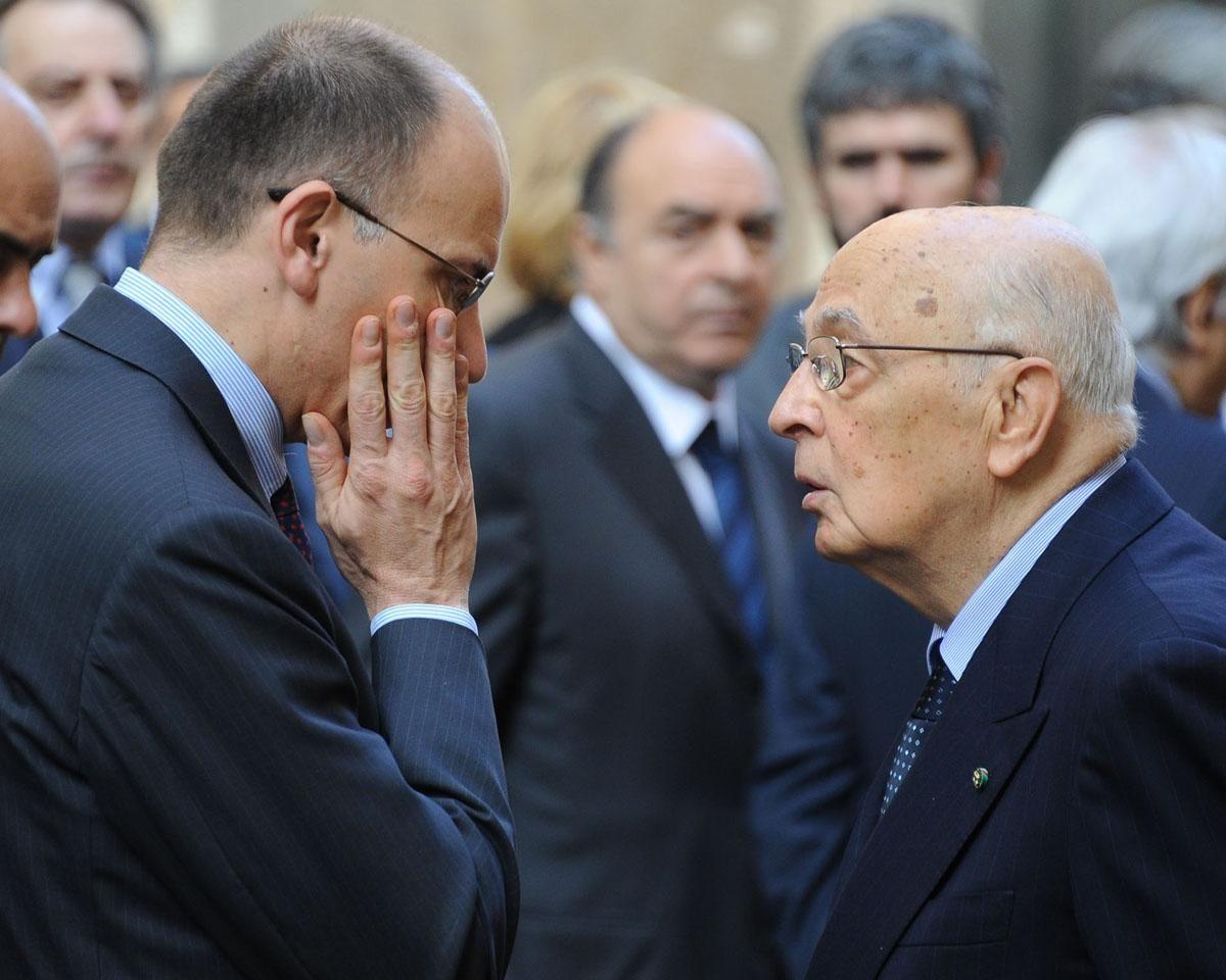 """Letta: """"Berlusconi ha umiliato l'Italia"""". Il premier da Napolitano """"serve una verifica"""""""