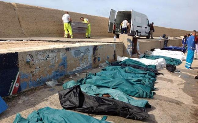Sicilia, proseguono senza sosta gli arrivi di migranti. A Pozzallo i funerali dei 45 migranti morti l'1 luglio