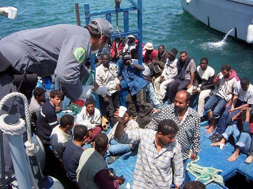 Immigrazione, nuovi sbarchi in Sicilia. Più di 1000 le persone soccorse