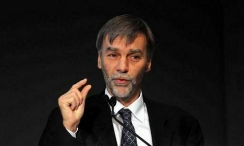 """Ministero delle Infrastrutture, Renzi nomina Delrio e twitta: """"Buon lavoro a Graziano, amico vero e prezioso compagno di strada"""""""