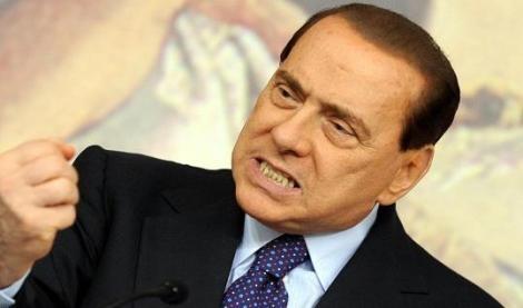 """Berlusconi: """"Con la decadenza in atto un colpo di Stato """" e chiama FI alla piazza"""