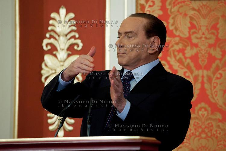 """Berlusconi: """"Dominique Appleby prova la mia innocenza"""" l'ultima carta del Cavaliere"""