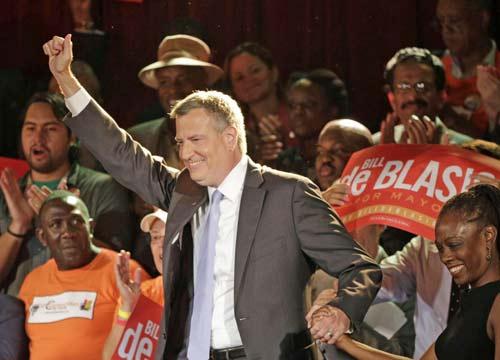 """Un democratico a New York, De Blasio neo sindaco: """"Nessuno sara' lasciato indietro"""""""