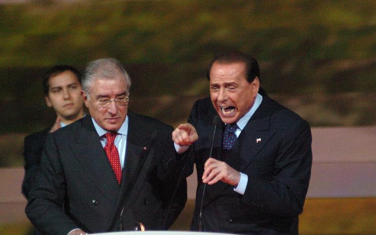 """Giallo sulla grazia, Dell'Utri: """"L'hanno chiesta i 5 figli di Berlusconi"""" ma Ghedini smentisce"""