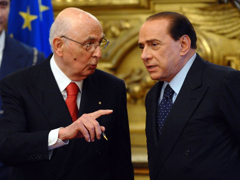 """Mission impossible"" di Berlusconi da Napolitano: posporre gli arresti domiciliari in vista delle europee. Ma il Colle dice no"
