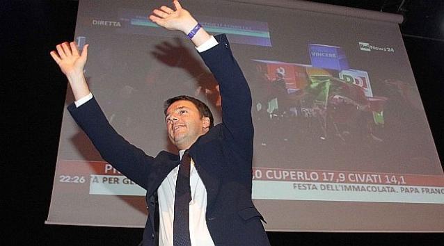 """Il trionfo di Renzi col 68%: """"Finito l'inciucio si cambia"""" Matteo oggi presenta la squadra"""