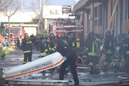 Prato: inchiesta per omicidio e sfruttamento di clandestini. Sette i cinesi morti nel rogo